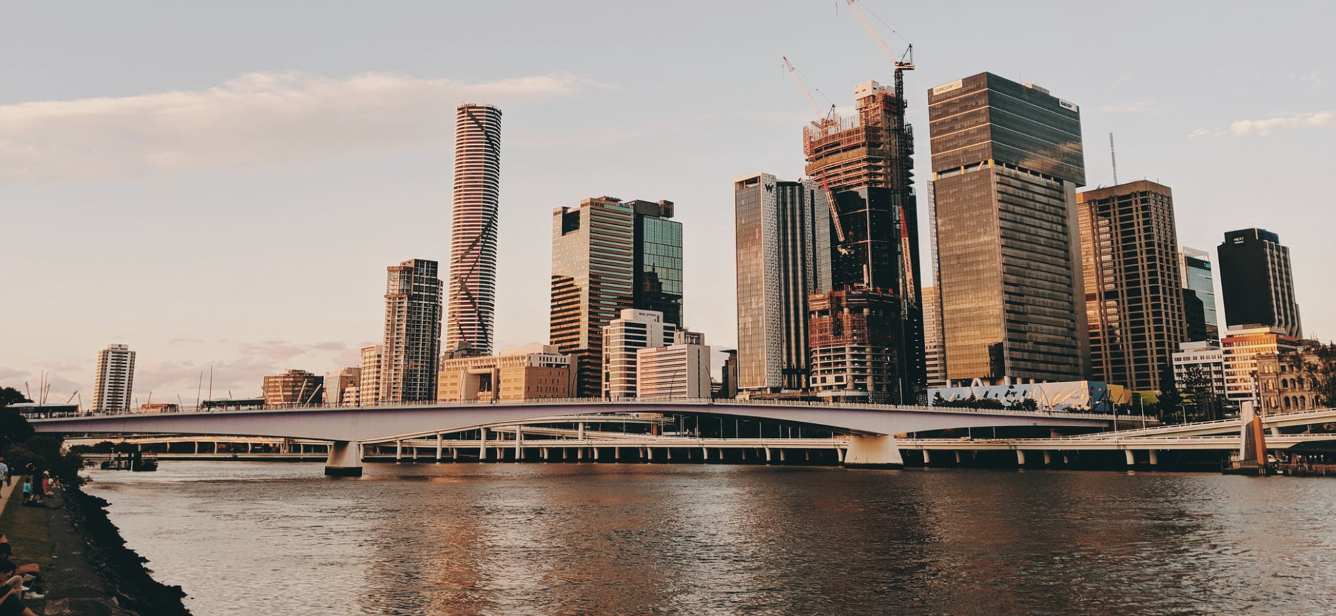 Landscape image of city (Brisbane)